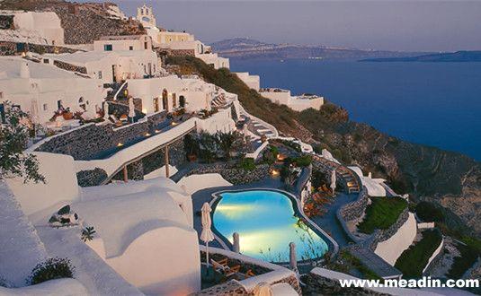 希腊圣托里尼的 Perivolas,与.墨西哥内华达的 Casa de Sierra Nevada并列第二