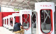 特斯拉电动汽车充电站杭城酒店跑马圈地