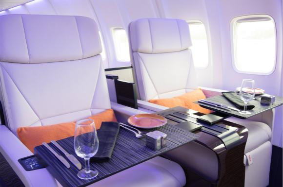 服务是四季酒店私人飞机的最大卖点,四季酒店能快速而精准地安排好签证、保险和线路问题,人性化的服务尽量满足客户所有的要求。