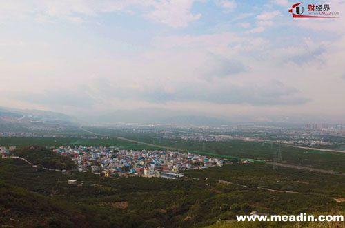 从蒙自碧色寨火车站到河口的铁路沿线,途经芷村站,屏边火车站,白寨