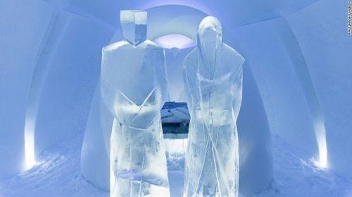 永恒的冰雪酒店。酒店需要每年秋天重建,一直到春天冰块融化;2016年的冰雪酒店即将在12月11日开业,关于酒店的第26次重建方案也已公布。