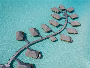 以下度假村虽然未能夺得奖项,但是在本次评选中获得了提名。  Bora Bora Pearl Beach Resort & Spa  Bora Bora Pearl Beach Resort & Spa 位于玻里尼西亚群岛的 Motu Tevairoa,到访的游客可以观赏到著名的 Mount Otemanu (奥特马努峰)以及附近碧绿色的环礁湖。度假村附近设有 To'A Nui  珊瑚养殖场,内部有睡莲环绕的 Manea Spa水疗馆,是游客们放松身体和精神的最佳去处。此外,度假村距离机场也很近,交通便利。