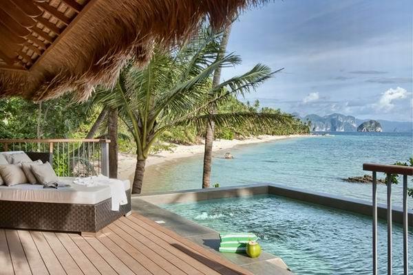 2、全球最佳海滩或沿海酒店:El Nido,Pangulasian Island,菲律宾    El Nido度假村位于菲律宾的Pangulasian岛上,岛上有42个豪华的菲律宾现代建筑,这些建筑被原始的海滩和热带森林围绕着。这里被评选为世界上最好的岛屿。这里拥有水晶般的清澈海水,令人难以置信的海滩。住在度假村,你可以体验到小岛的宁静,也可以玩浮潜和深潜,甚至可以在游艇上看着日落吃晚餐。