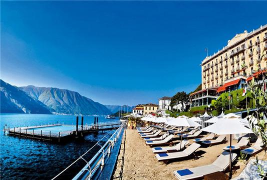 意大利科莫湖边的精品酒店凭借其百年历史和湖水环绕也获得了不错的票数。它的泳池全景美不胜收,客人们可以肆意地沉浸在泳池里,也可以到岸边感受水吧,还可以到屋里享受温泉和意大利美食。