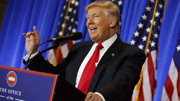 川普真的赢了。这位昔日地产大亨,摇身一变成了美国历史上第一个地产总统,但是刚当选就引发了不少的抗议,其高调、招摇、招人恨的程度由此可见一斑。