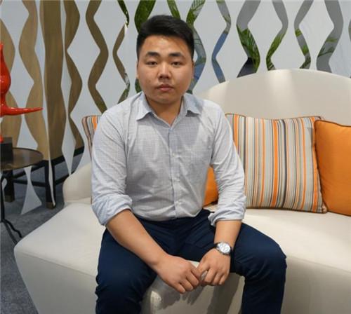 广州家博专访福建森源家具魏威-品牌信息家具仓储北京图片