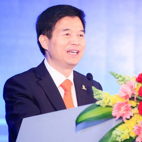中国饭店协会常务副会长  陈新华