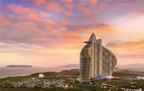 听说海棠湾红树林七星度假酒店仅大堂的设计就易稿26次,张宝全为了